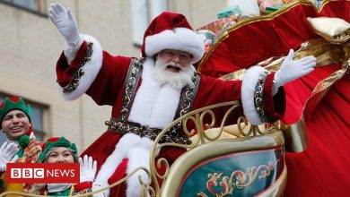 Photo of Covid-19: US pulls plan to give early vaccine to Santa Claus performers | BBC News